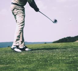 seguro para jugar al golf